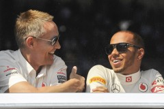 Mc Laren F1 Formula One driver Lewis Hamilton  of Great Britain speaks with Martin Whitmarsh during the first practice during the Monaco F1 Grand Prix May 24, 2012.  REUTERS/Olivier ANRIGO